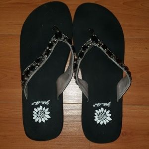 Yellow Box jeweled leather sandals silver/ black
